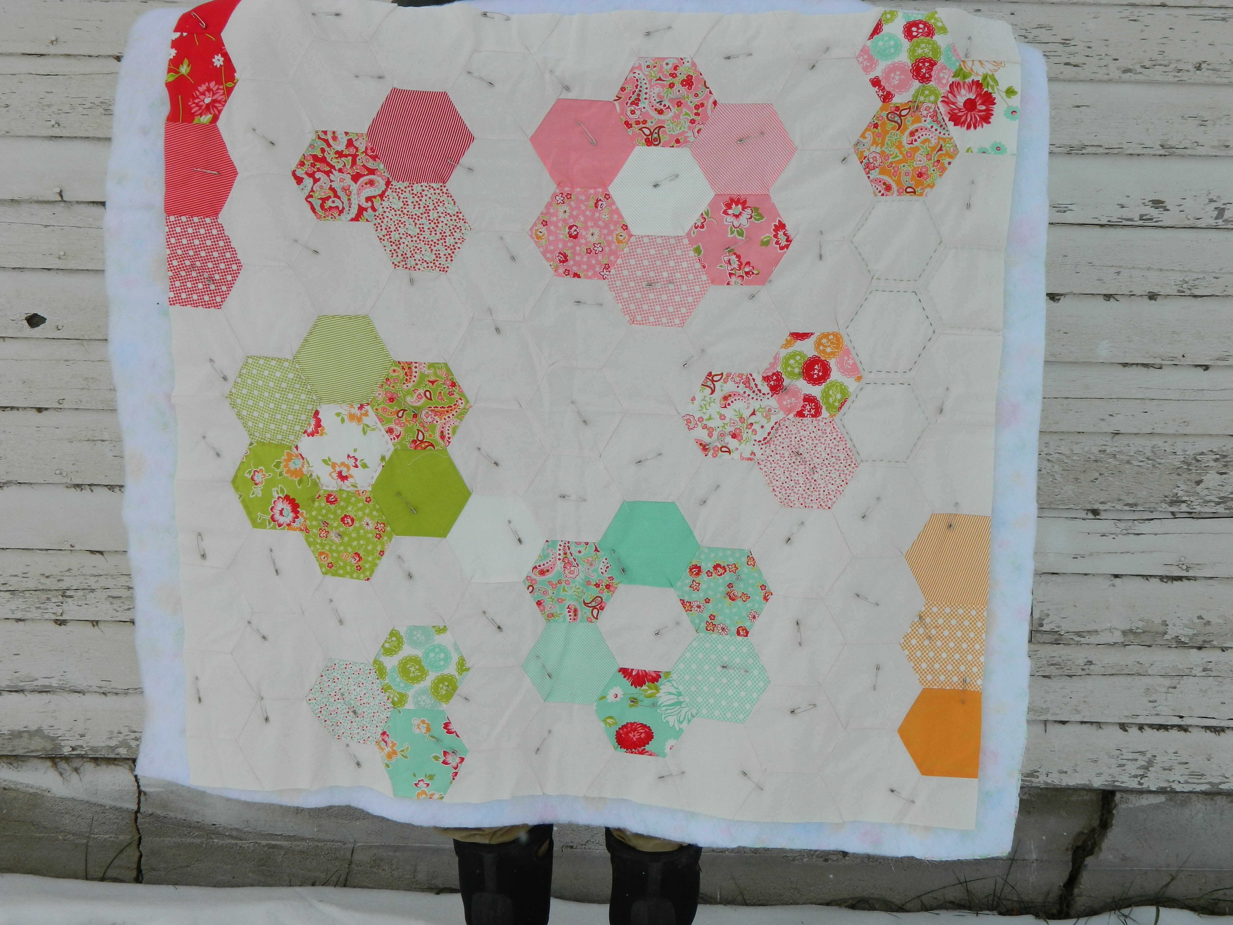 Machine-Piecing Hexagon Quilt Tutorial (what NOT to do)