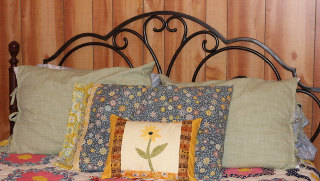 How to make your own pillow covers – simple sewing