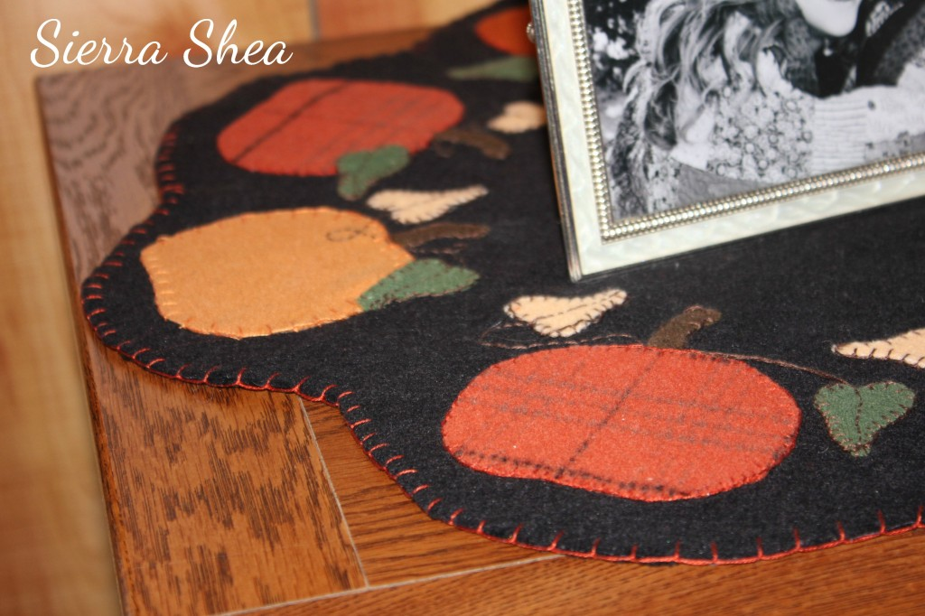 Fall Pumpkin Wool Decor Stitch Detail