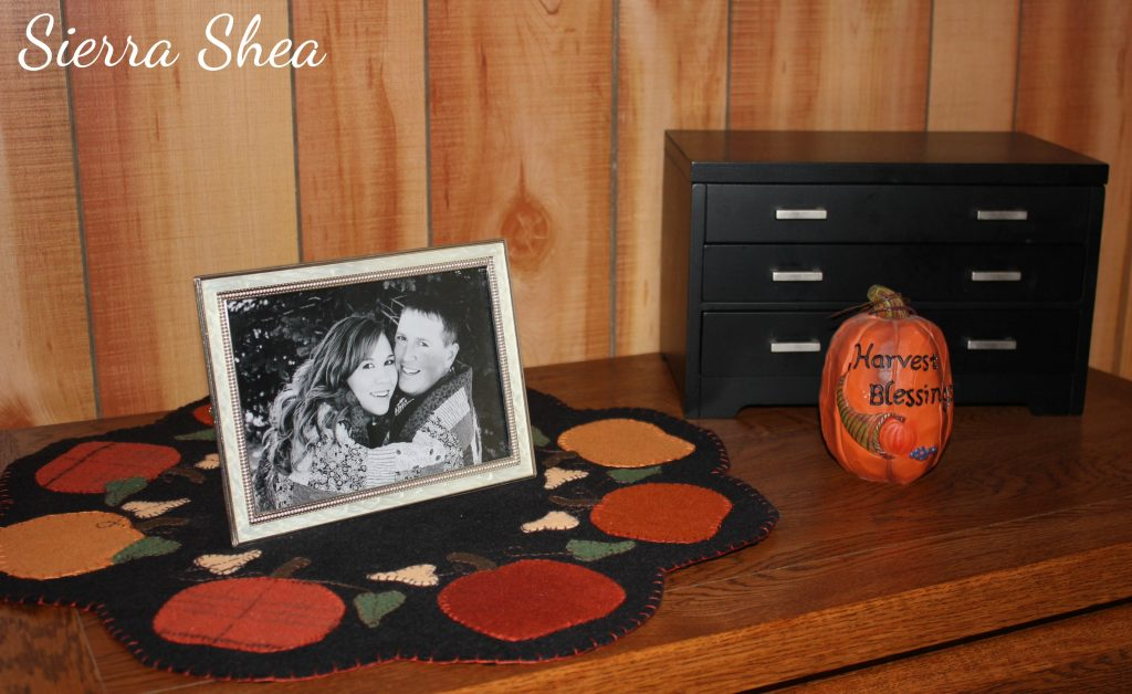 Wool Fall Pumpkin Table Mat